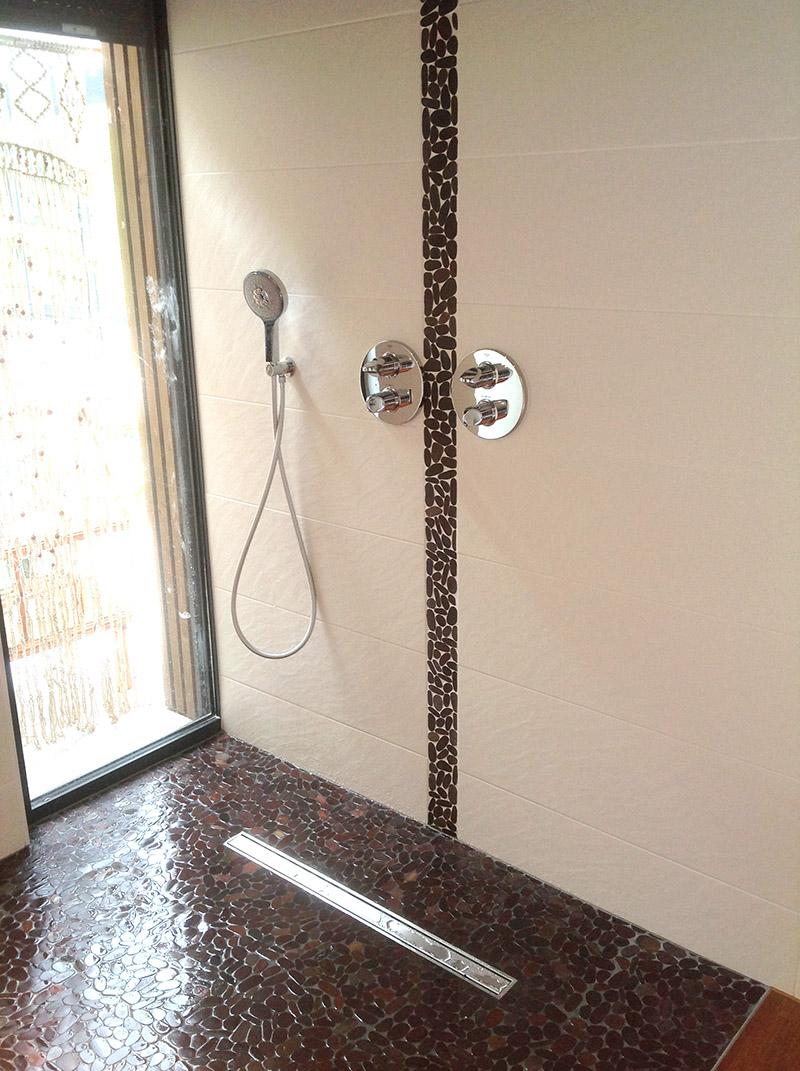 Douche italienne avec galet