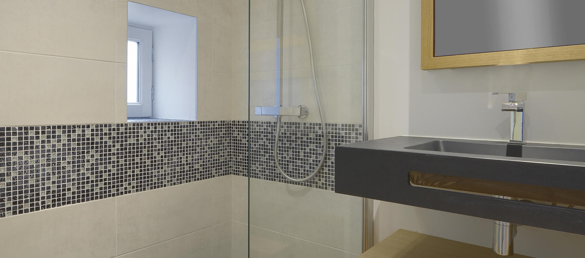 salle de bain angers. Black Bedroom Furniture Sets. Home Design Ideas