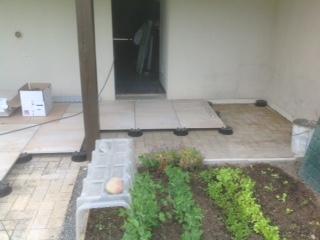 pose carrelage terrasse sur plots great formidable carrelage exterieur pose sur plot plots. Black Bedroom Furniture Sets. Home Design Ideas
