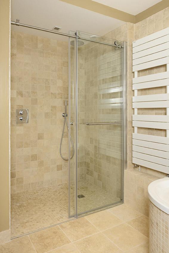 Douche italienne en pierre marbrière