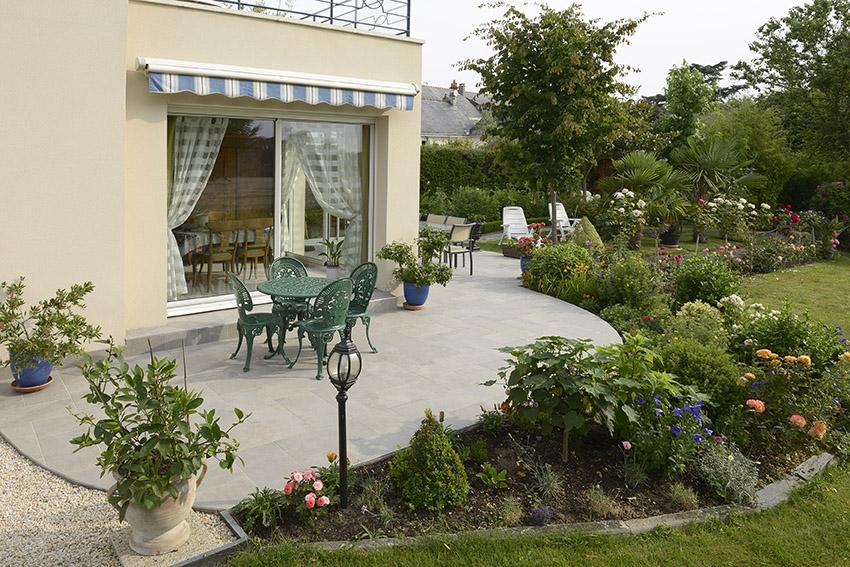 Terrasse pose en chevron
